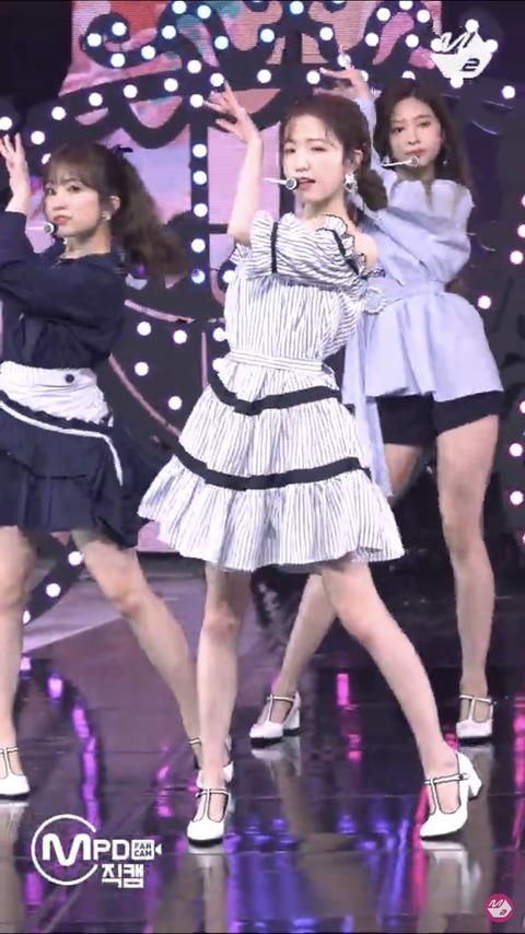 【悲報】IZ*ONE本田仁美さん、二の腕を隠す衣装ばかりになってしまう…