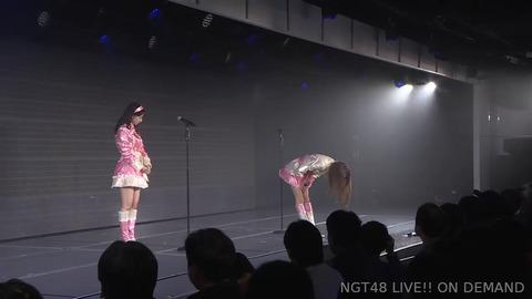 【悲報】被害者の山口真帆が何故かステージ上で謝罪させられる!!!【NGT48劇場公演】