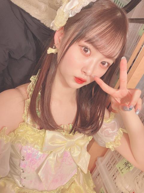【AKB48】たつまきこと達家真姫宝、ついに自分の指まで歪曲してしまうwww