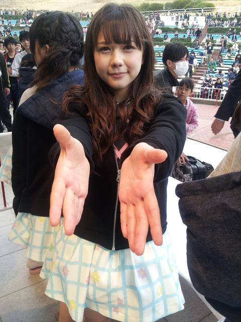 【HKT48】村重杏奈は握手券の売上を結構気にしているらしい