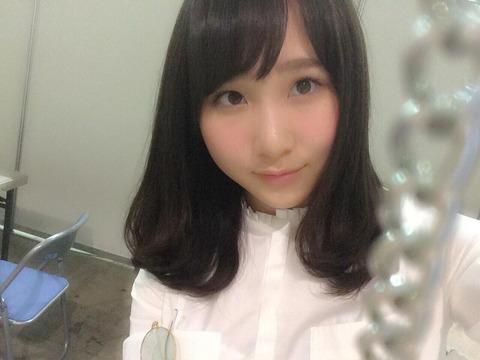 【755】秋元康がメンバーの写真を大量に上げてるけど、宮脇咲良だけなんか違う・・・