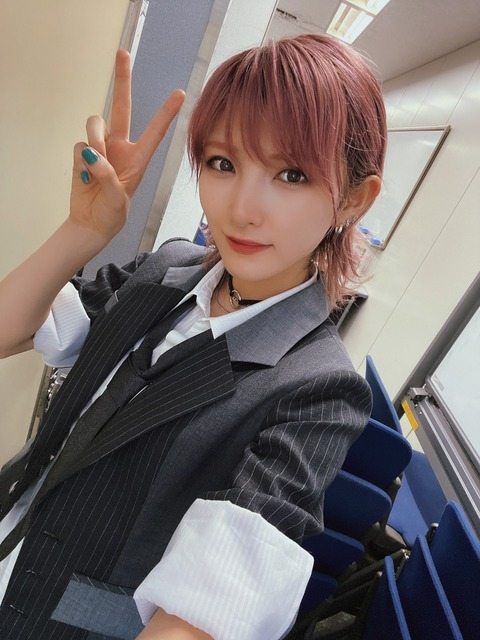 【AKB48】新曲「根も葉もRumor」センターは岡田奈々