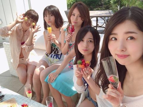 【AKB48】パッとしないメンバー達がプレイボーイのグラビアで水着姿を披露