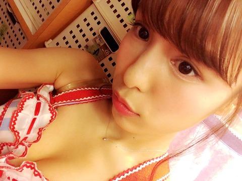 【AKB48】小嶋菜月が水着画像を投稿!「セクシーですか?」