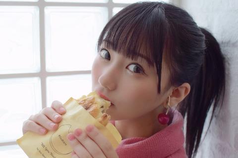 【HKT48】みくりんが来月発売のBOMB12月号の表紙に!さすがに今度こそ水着だよね?【田中美久】