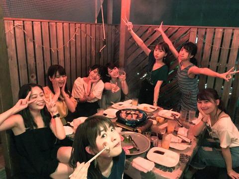 【AKB48】峯岸みなみ「お待たせ」メンバー達との夏の思い出写真を公開!【横山入山木崎こじまこ島田中西北原】