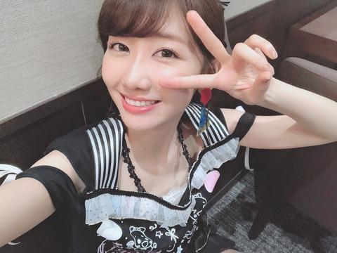 【AKB48】柏木由紀、福岡のソロライブで「NMBは3人だったのにHKTは26人も来た。そんなに暇なの?」