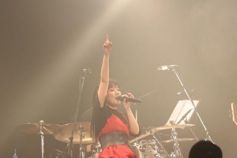 【元AKB48】高橋みなみ、板野友美はなぜ歌手を諦めたのか?