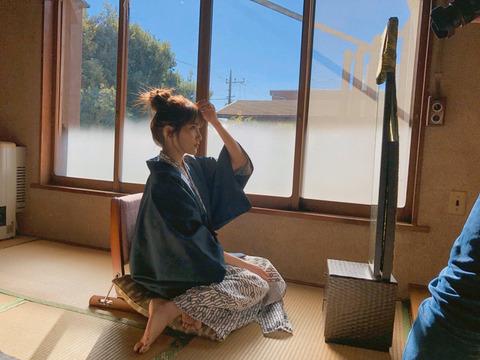 【AKB48】浴衣を脱ぐあんにんエロ過ぎwwwwww【入山杏奈】