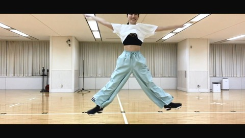 【AKB48】ゆいはんの踊ってみた動画で下着が丸出しになるハプニングw【横山由依】
