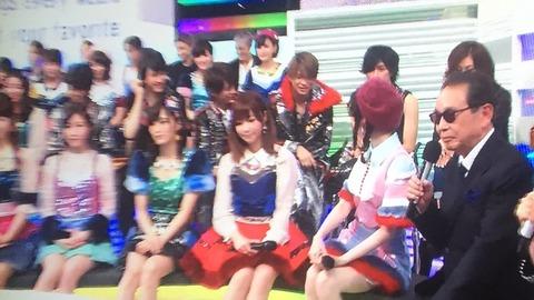 【悲報】Mステ放送中にジャニーズとイチャつくぱるる【AKB48・島崎遥香】