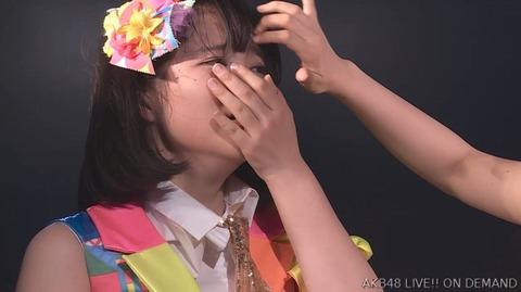 【AKB48】ドラフト3期研究生矢作萌夏ちゃん、初日公演後に崩れ落ちる!