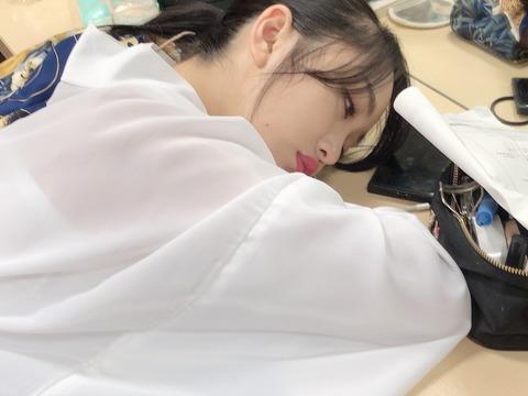 【AKB48】みーおんがマジで予想以上に目を開けたまんま寝てる件www【向井地美音】