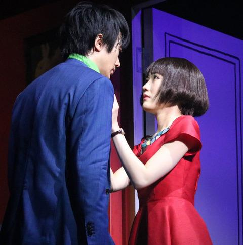 渡辺麻友、ミュージカル「アメリ」で初キスシーン!相手は太田基裕(31歳)