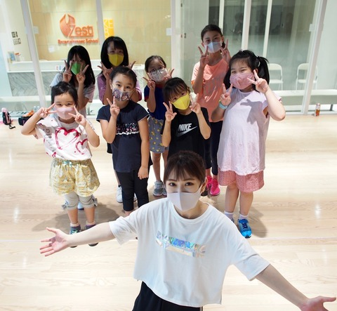 ゼストエンタテインメントスクールにくまちゃん先生ことSKE48熊崎晴香が登場!パレオはエメラルドの振り付けをレッスン