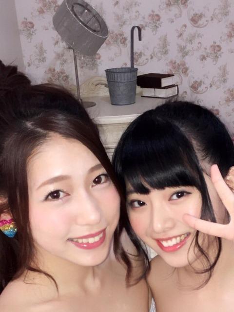 【朗報】AKB48新聞の茂木グラビア企画にまさかの馬嘉怜ちゃんが登場!!!