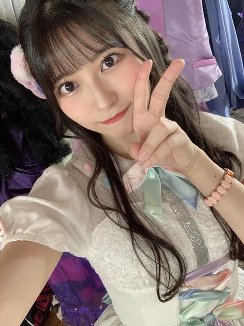 【朗報】AKB48行天優莉奈さん活動再開 (1)