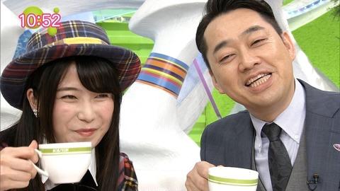 【悲報】乃木坂46公式お兄ちゃんの設楽メンバーが、ゆいはんにデレデレwww【AKB48・横山由依】