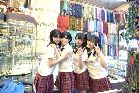 【悲報】みーおんの体の厚みが他のメンバーの倍ある件【AKB48・向井地美音】