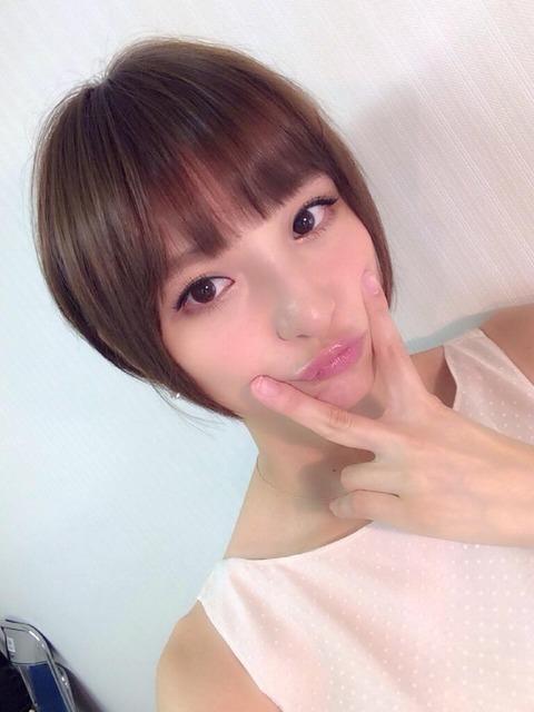 お前ら篠田麻里子がここまでAKB48と関係断ち切ると思った?