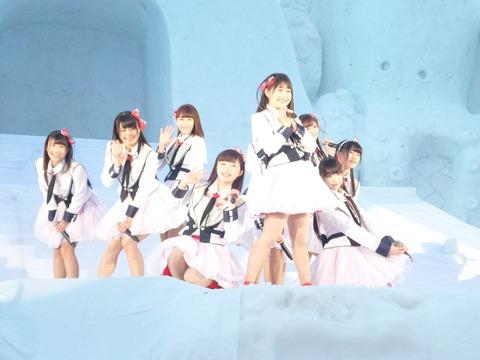 【画像】十日町の雪まつりで野外ライブをするNGT48が寒そうwww