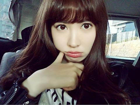 【AKB48】小嶋陽菜のモバメの写真が透け透けwwwwww