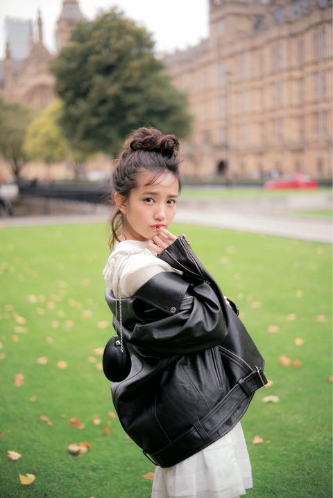 AKB48きっての美貌の持ち主にして、 「NEXTこじはる」の呼び声も高い加藤玲奈←???