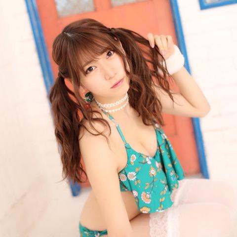 【AKB48】茂木忍と篠崎彩奈、どっちがエロい女だと思う?
