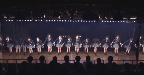 【AKB48】公演の挨拶で厄介ヲタの「ちょっと待ったー!」でメンバーがフリーズ