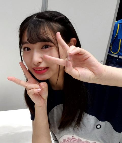 【朗報】個別握手会に世界一可愛いサメが登場www【AKB48・久保怜音】