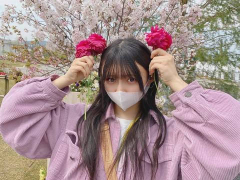 【悲報】STU48門脇実優菜さん、不要不急の外出をしてしまうwww