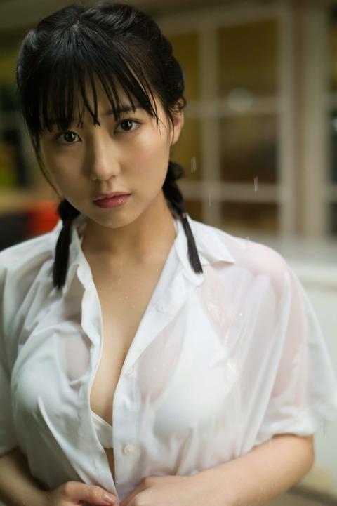 【HKT48】田中美久の写真集に秋元康が「1/2少女」ってつけたけど小泉今日子の「半分少女」を意識してるの?