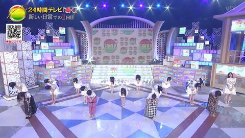 【AKB48】お辞儀で頭を上げるのが1人だけ早いメンバーがいる、こういう所を「ちゃんと」しないと「AKBが終わる」よ?