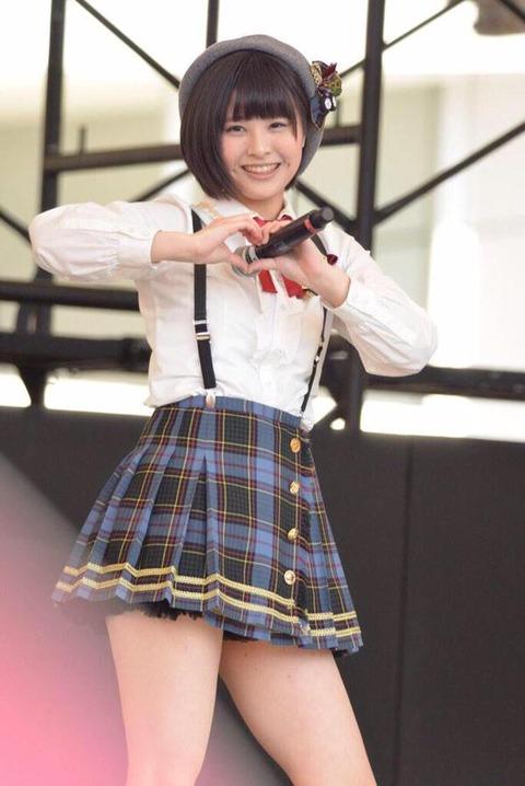 【AKB48】チーム8佐藤栞のムチムチな太ももに挟まれて死にたい