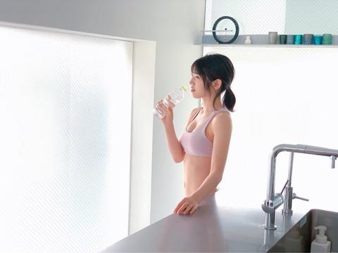 【AKB48】ゆいりーのお●ぱい(推定Dカップ)と腹筋が素晴らしい!【村山彩希】