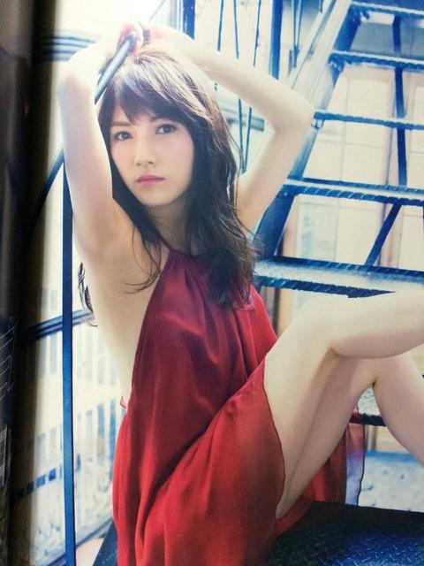 【UTBグラビア】なぁちゃんのがっかりオッパイが至高【AKB48・岡田奈々】