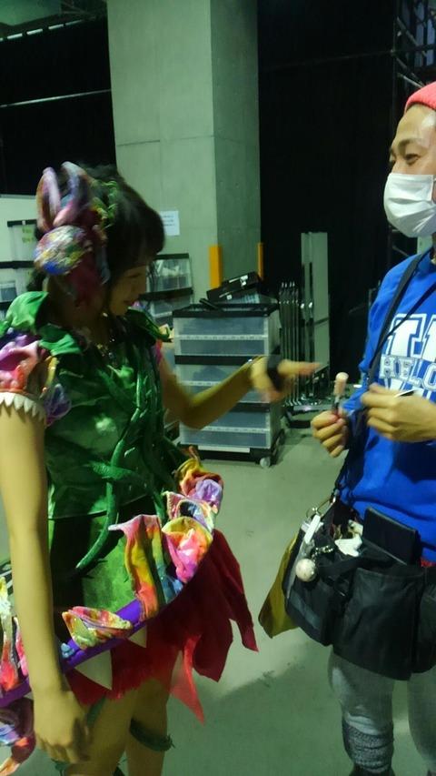 【AKB48】木﨑ゆりあ「ヒーロー?自らのトレーナーがヒーロー?ニヤニヤ」