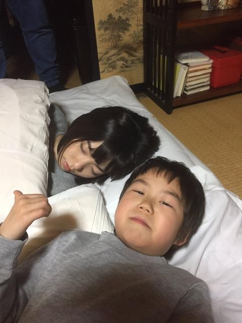 【悲報】文春砲を食らった前田敦子さんに続き、ぱるるにも熱愛スクープ!!!【島崎遥香】