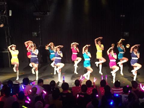 【元SKE48】AV女優の鬼頭桃菜こと三上悠亜さんがライブで「パレオはエメラルド」を歌うwww