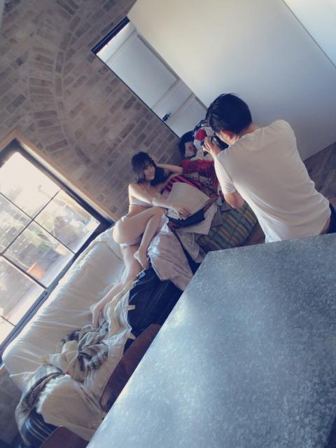 【画像あり】ふうちゃんのこのポーズ、M字開脚よりヤバいと思うんだが・・・【NMB48・矢倉楓子】