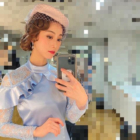 【朗報】松井玲奈出演の舞台「オリエント急行殺人事件」が開幕!「推しと同じ色、自分の好きな色の衣装でハッピーです」