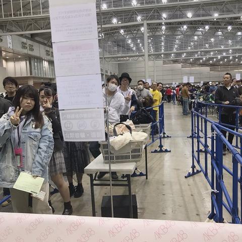 【NGT48】中井りかさん、珍しく人が並んでいる握手会レーンで自虐www
