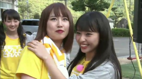 【NMB48】YNN生放送中に山尾梨奈のブラジャーがとれて恥じらう動画キタ━━━━(゚∀゚)━━━━!!