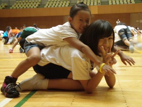 【悲報】SKE48水野愛理(12)がバックでがっつり入れられてるwww