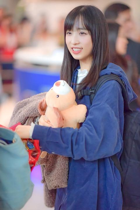 【AKB48】タイの空港で天使のように輝いている小栗有以さんが撮影されてしまう
