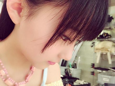 【HKT48】田中美久(13歳・中1)、楽屋で日本史の勉強をしているところを撮られる