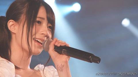 【AKB48】ゆかるんの手首には何が封印されているのか?【佐々木優佳里】