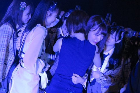 【HKT48】宮脇咲良さん、総選挙後は指原莉乃柏木由紀らと酒を酌み交わす