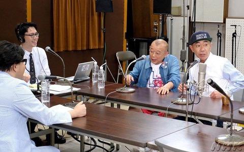 秋元康「1日にデモ曲を1000曲聴いてるから、気分が悪くなる」