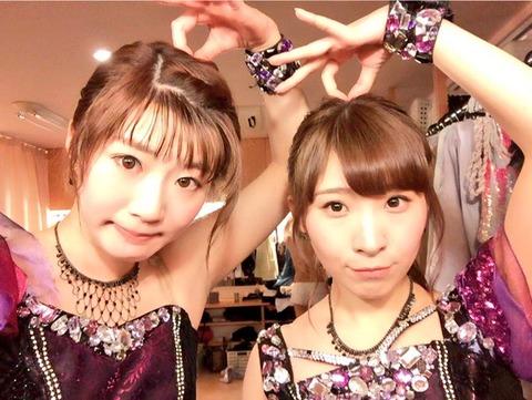 【定期スレ】楽屋の2ショット画像に裸のメンバーが写りこむ!!!【AKB48・チームB】
